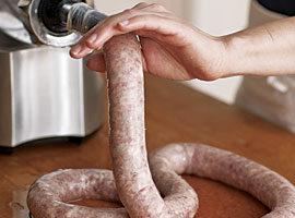 051098072-03-sausage-making