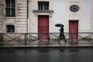 ©Valerie Jardin - Umbrella in Paris-1