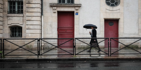 ©Valerie Jardin - Umbrella in Paris-1